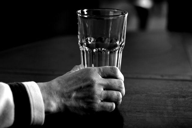 Первая помощь при реакции на алкоголь с колме