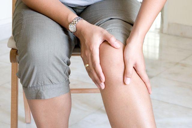 болит колено после алкоголя